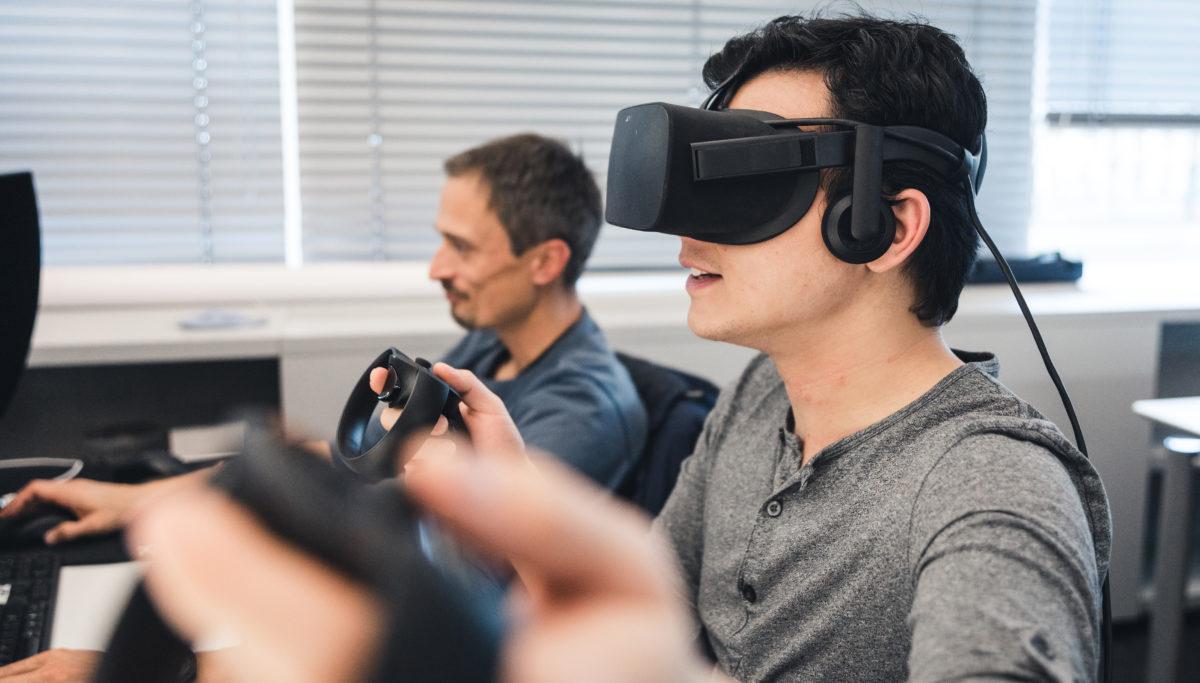 VR Team working photo