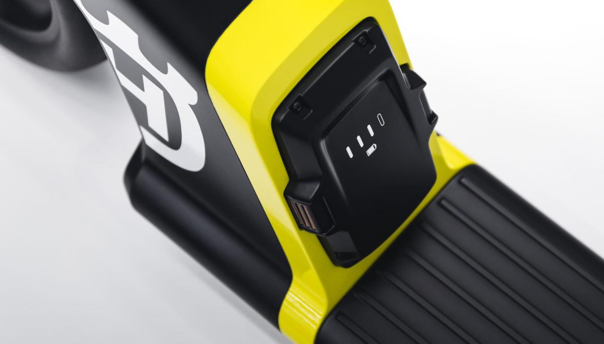 Husqvarna e-mobility BLTZ e-scooter concept detailed battery