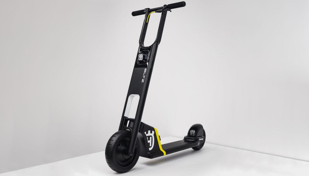 Husqvarna e-mobility BLTZ e-scooter concept front 3/4 view