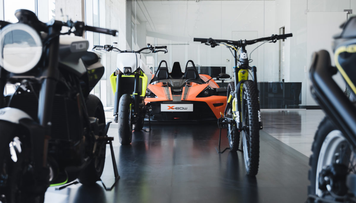 KISKA Showroom - Motorcycles, Bikes and Cars